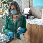 Solar Gard Saint-Gobain Lady Cleaning